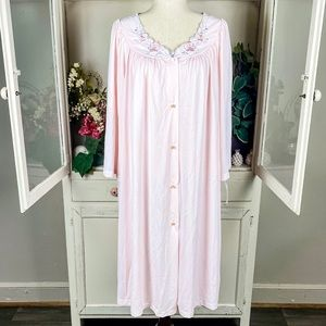 Shadowline Vintage Nightgown And Robe Set